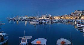 800px-Crete_Iraklio1_tango7174.jpg